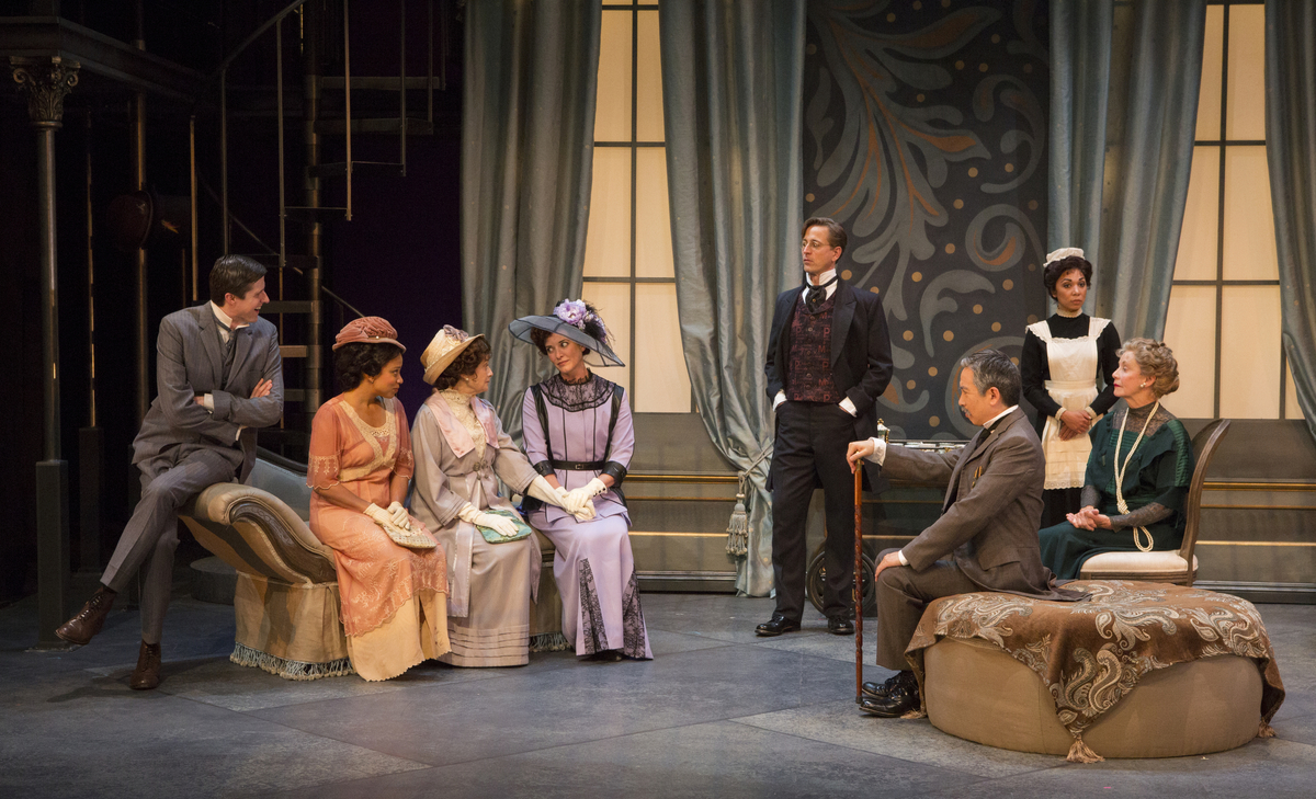 pygmalion characters Differences between pygmalion & my fair lady although, in both works, the two lead characters fall in love, pygmalion demonstrates love's inadequacy and impermanence by concluding with the lovers' parting and showing that they are ultimately incompatible.