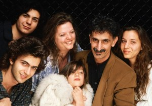 The entire Zappa clan. What a great family portrait.  And great family, period!