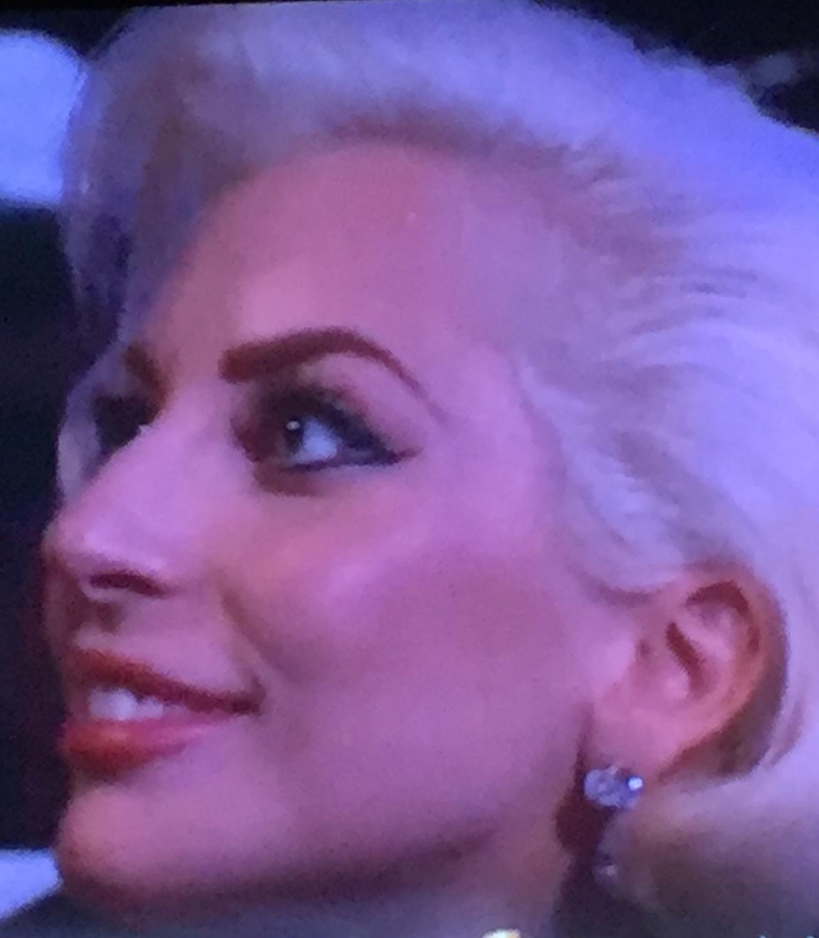 Awards show golden globes 2016 - Lady gaga on est pas couche ...