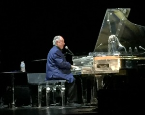 Neil Sedaka performing his hits. Photo by Karen Salkin.