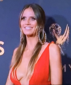 And on the flip side, here's Heidi Klum's awaful look! Photo by Karen Salkin.