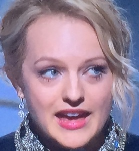 Elisabeth Moss' weird  color-in-only-the-middle lipstick.  Photo by Karen Salkin.