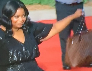 Octavia Spencer and her...brown tote bag!!!  At the Golden Globes!!!   Photo by Karen Salkin.