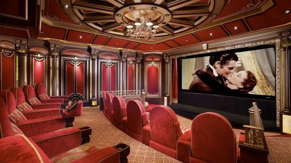 Magnificient-Home-Theater-with-Grand-Architectural-Interiors