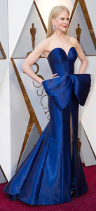 I had to put a pic of Nicole Kidman's dress somewhere, so here it is!