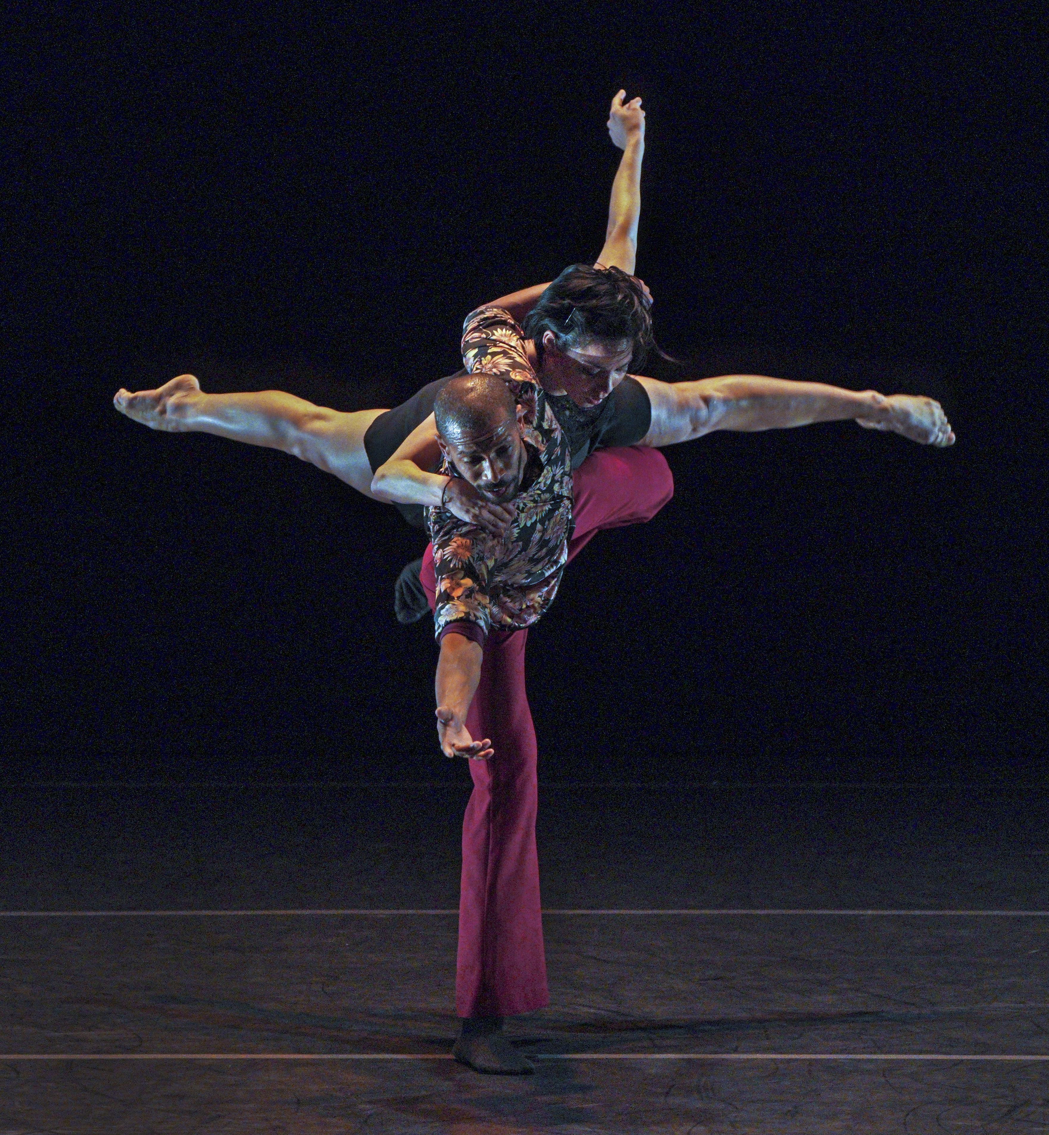 Ocaso dancers, Daile Carrazana and Osnel Delgado. Photo by  Lawrence K. Ho.