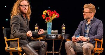 Tim MInchin being interviewed on stage by Barrett Foa.