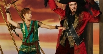 This picture pretty much sums-up this production.  Allison Williams is doing nothing, and has no electricity through her body, while Christopher Walken is devoid of the charm Cyril Ritchard brought to the role of Captain Hook. (At least Walken looks more alive in this photo than he did in his whole time on-screen during the telecast!)