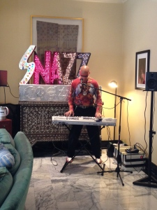 Snazz, the lobby entertainer.  Photo by Karen Salkin.