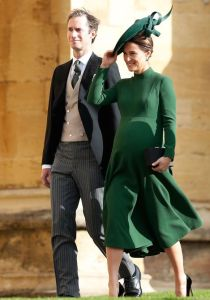 Pippa and her husband walking into the wedding just three days before she had the baby!!! Looks like the easiest, neatest pregnancy ever!