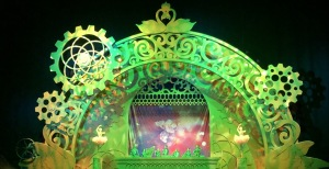 The giant music box on the stage. Photo by Karen Salkin.