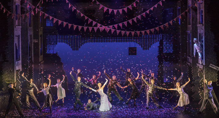 Photo of the curtain call by Johan Persson.