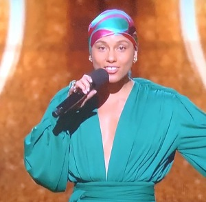 Alicia Keys' look to host the show!  Photo by Karen Salkin.