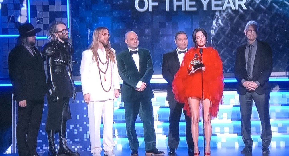 See what I mean about Kacey Musgraves' outfit?!  And did that dude second from the left think he was going to a Game of Thrones fete?  Photo by Karen Salkin.