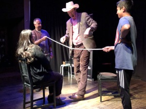El Ropo, making even his audience assistants laugh! Photo by Karen Salkin.