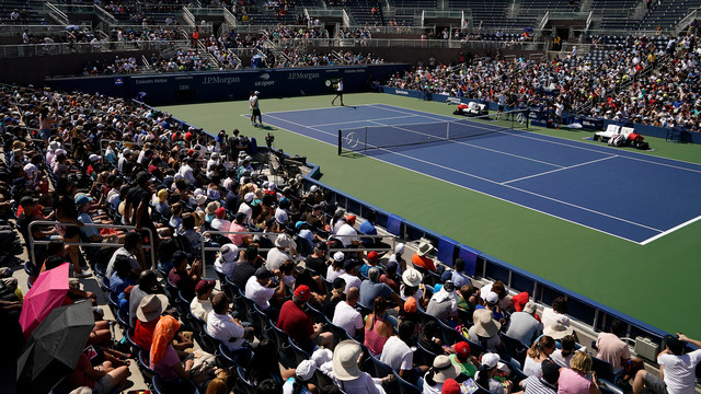 This is the crowd at the 2019 US Open to watch Roger Federer just practice!!!  He is truly so loved by so many.