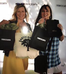 (L-R) Lucia Singer and Karen Salkin, showing off their Fresh From The Earth bags.