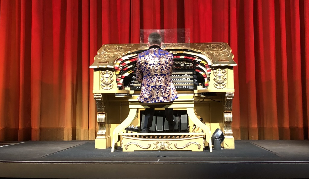 The organist, Rob Richards. Photo by Karen Salkin.
