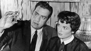 Everyone always wanted to know what was up between Perry (Raymond Burr) and Della (Barbara Hale)!